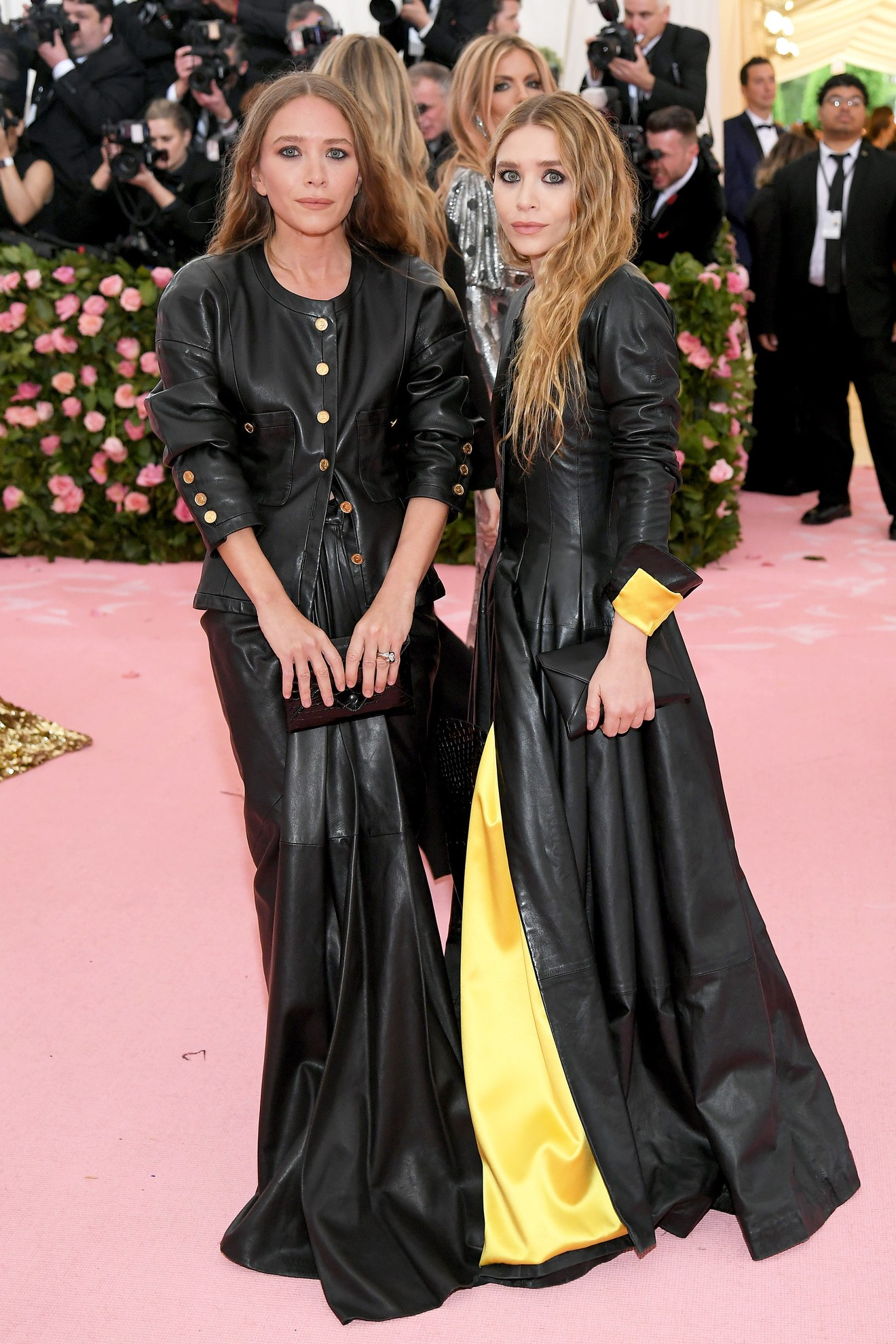 Mary-Kate and Ashley Olson wearing vintage Chanel / Getty.